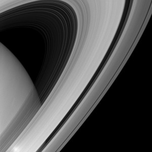 saturn-rings-arc-cassini